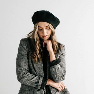 Vtg wool felted beret hat